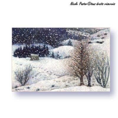Carte d'art. Paysage d'hiver. La montagne sous la tempête de neige